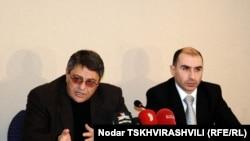 Сегодня адвокат семьи Сиорадзе, учредителя телекомпании, опротестовал решение Верховного суда Грузии, согласно которому владельцем «Гурии ТВ» признан бывший спонсор «Гурия ТВ»
