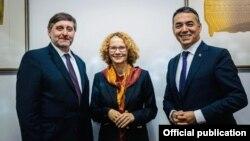 Метју Палмер, Радмила Шекеринска и Никола Димитров