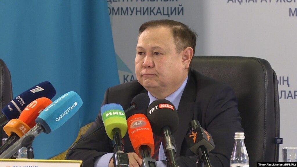 ارداق ماديەۆ، قازاقستان سىرتقى ىستەر مينيسترلىگى كونسۋلدىق قىزمەت دەپارتامەنتىنىڭ ديرەكتورى. استانا، 14 جەلتوقسان 2017 جىل.