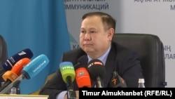 Ардақ Мәдиев, Қазақстан сыртқы істер министрлігі консулдық қызмет департаментінің директоры. Астана, 14 желтоқсан 2017 жыл.