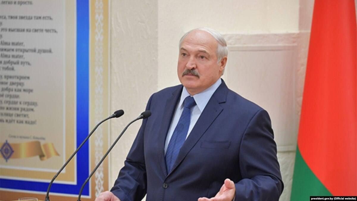 """Лукашенко: Россия не разрешает Казахстану поставлять нефть в Беларусь, """"странно"""""""
