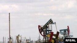 На месторождении нефти, разработку которого ведет «УзенМунайГаз». В Мангыстауской области.