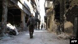 أبنية مدمرة في خيم اليرموك على مشارف دمشق