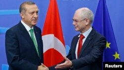 Tayyip Erdogan və Avropa İttifaqı Şurasının prezidenti Herman Van Rompuy.