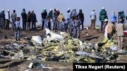 Pamje nga rrëzimi i aeroplanit në Etiopi.