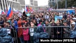Один из митингов на проспекте Сахарова в Москве.