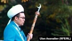 Рахматулла ажы Эгембердиев Кыргызстандын муфтийлигине 2012-жылы 15-декабрда шайланган.