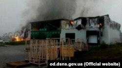 Як повідомляє ДСНС, пожежу ліквідували на площі 1000 квадратних метрів