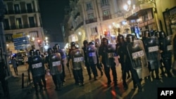 Испанские полицейские, выставленные против протестующих. Иллюстративное фото.