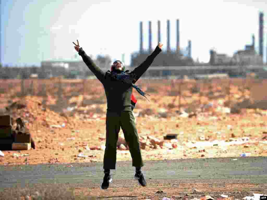 Libija - Ras Lanuf, 07.03.2011. Foto: AFP / Roberto Schmidt