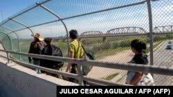 رئیسجمهور مکزیک هفته گذشته از آمادگی کشورش برای تشدید کنترل مهاجرت به آمریکا خبر داده بود.