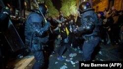 Իսպանիա - Կատալոնացի ցուցարարների բախումը ոստիկանների հետ, Բարսելոնա, 15-ը հոկտեմբերի, 2019թ.