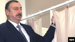 Ильхам Алиев на избирательном участке, Баку, 18 марта 2009