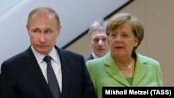 Angela Merkel și Vladimir Putin la Sochi, 2 mai 2017