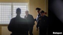 У кастрычніку 2016 году ўпершыню судзілі чалавека за забойства сабакі. Аляксандру Радкевічу, якога абвінвацілі ў жывадзёрстве і хуліганстве, далі 1,5 года зьняволеньня