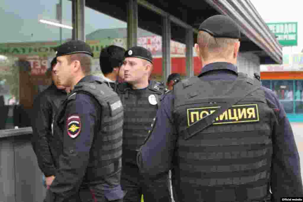 Рынок в Ясенево. Фото пресс-службы ГУ МВД России по г. Москве