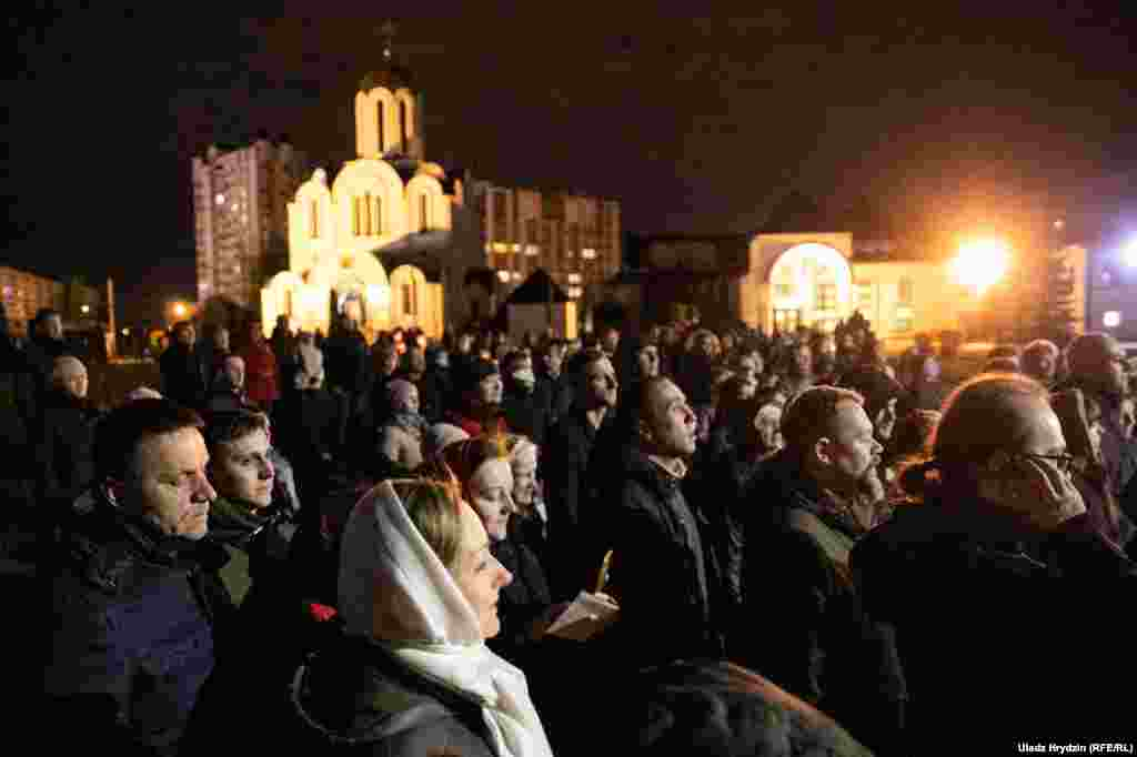 Під час пасхального богослужіння у столиці Білорусі, Мінську, 19 квітня