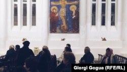 Разные календари не мешают православным в Тбилиси присутствовать и на католических рождественских мессах
