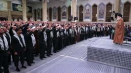 دیدار امروز، ششم آذر، علی خامنهای با فرماندهان بسیج و برخی اعضای بسیج