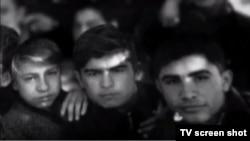 В фильме «Основатель независимого Узбекистана» были показаны редкие фотоснимки Ислама Каримова (в центре).