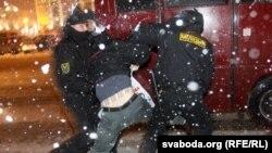 Reprimarea brutală a protestelor post electorale în Belarus