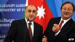 Григол Вашадзе (справа) и Эльмар Мамедъяров, Тбилиси, 15 октября 2010