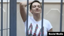 Russian prosecutors are seeking a 23-year prison sentence for Nadia Savchenko, whom they accuse of being complicit in the deaths of two journalists.
