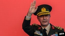 Министр обороны Турции Хулуси Акар.