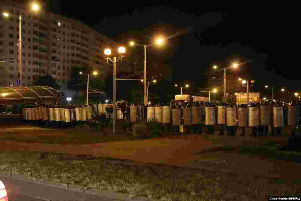 Протест на вулиці Притицького, між станціями метро «Спортивна» та «Пушкінська»