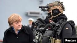Nemačka treba da ispuni svoje obaveze kada je reč o povećanju izdvajanja za NATO, poručila Merkel