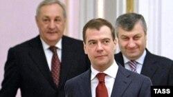 """Медвдев готов говорить с Тбилиси, но только с учетом """"новых геополитических реалий"""""""