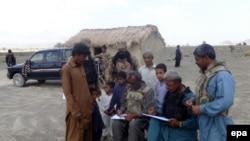 په بلوچستان کې پوځ د سر شمېرنې د ډلو حفاظت کوي.