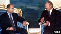 Роберт Кочарян и Александр Лукашенко в Минске. 2000 год
