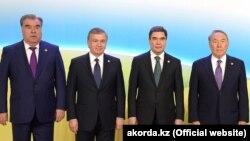 Эмомали Рахмон, Шавкат Мирзиеев, Гурбангулы Бердымухамедов и Нурсултан Назарбаев. Архивное фото
