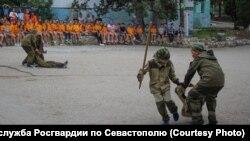 Акция «Каникулы с Росгвардией» в детском лагере в Севастополе