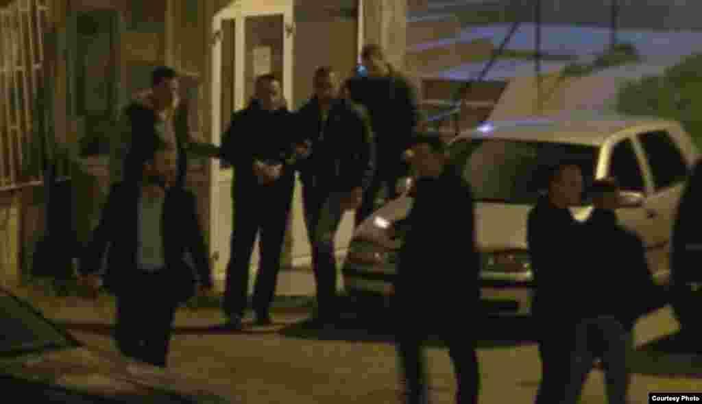 МАКЕДОНИЈА - ГРЦИЈА - Рочиштето на кое Врховниот суд во Атина одлучува по жалбата за одлуката за екстрадиција на поранешниот началник во УБК Горан Грујевски и неговиот колега Никола Бошковски е одложено за 26 април пoрaди прaвни прaшaњa.