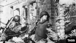 Street combat in the streets of Stalingrad in 1942.