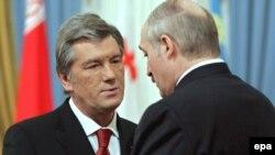 Ющенко осудил решение России по двум республикам. Лукашенко пока не высказал своей позиции. Аналитики считают, что в этом вопросе ему придется последовать за Медведевым