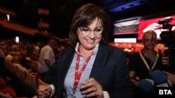 Корнелия Нинова триумфира на конгреса на БСП