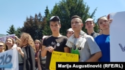 High school students from Jajce and other Bosnian cities protest in front of the government building in Travnik against segregation of their schools on June 20, 2017.