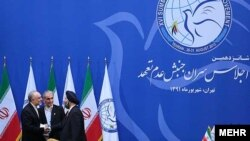 Министр иностранных дел Ирана Али Акбар Салехи на встрече с представителями стран Движения Неприсоединения. Тегеран, 30 августа 2012 г