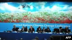 """Познань конференциясы-климаттын өзгөрүшү боюнча жаңы келишимге чейинки """"жарым жол"""""""