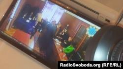Захист і родичі Луценка чекають на рішення суду, 3 квітня 2013 року