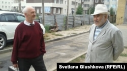 Мейірман Жазылбеков (оң жақта) пен Антон Фабрый. Астана, 27 қыркүйек 2013 жыл.