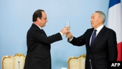Қазақстан президенті Нұрсұлтан Назарбаев пен Франция президенті Франсуа Олланд. Астана, 5 желтоқсан 2014 жыл. (Көрнекі сурет)