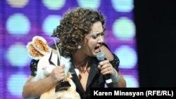 Սոնա Շահգելդյանը Ազգային երաժշտական մրցանակաբաշխության ժամանակ, 15 ապրիլ, 2012
