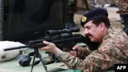 د پاکستاني پوځ مشر جنرل راحېل شريف