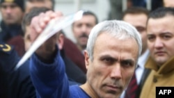 Мехмет Али Агжа Стамбулдун сотунда, 2006-жылдын 12-январы.