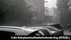 Потужна злива у Дніпрі, 12 червня 2020 року