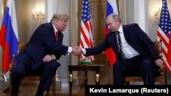 Дональд Трамп (ліворуч) і Володимир Путін. Гельсінкі, 16 липня 2018 року